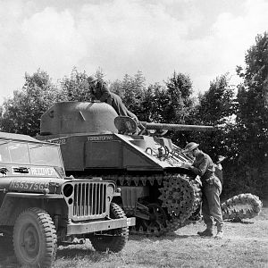 15 - Tk Rec Jul 44 - G.Rodger TimeLife_31 - Sherman III T152212 'TORONTO PAM', Jeep CORPS REC