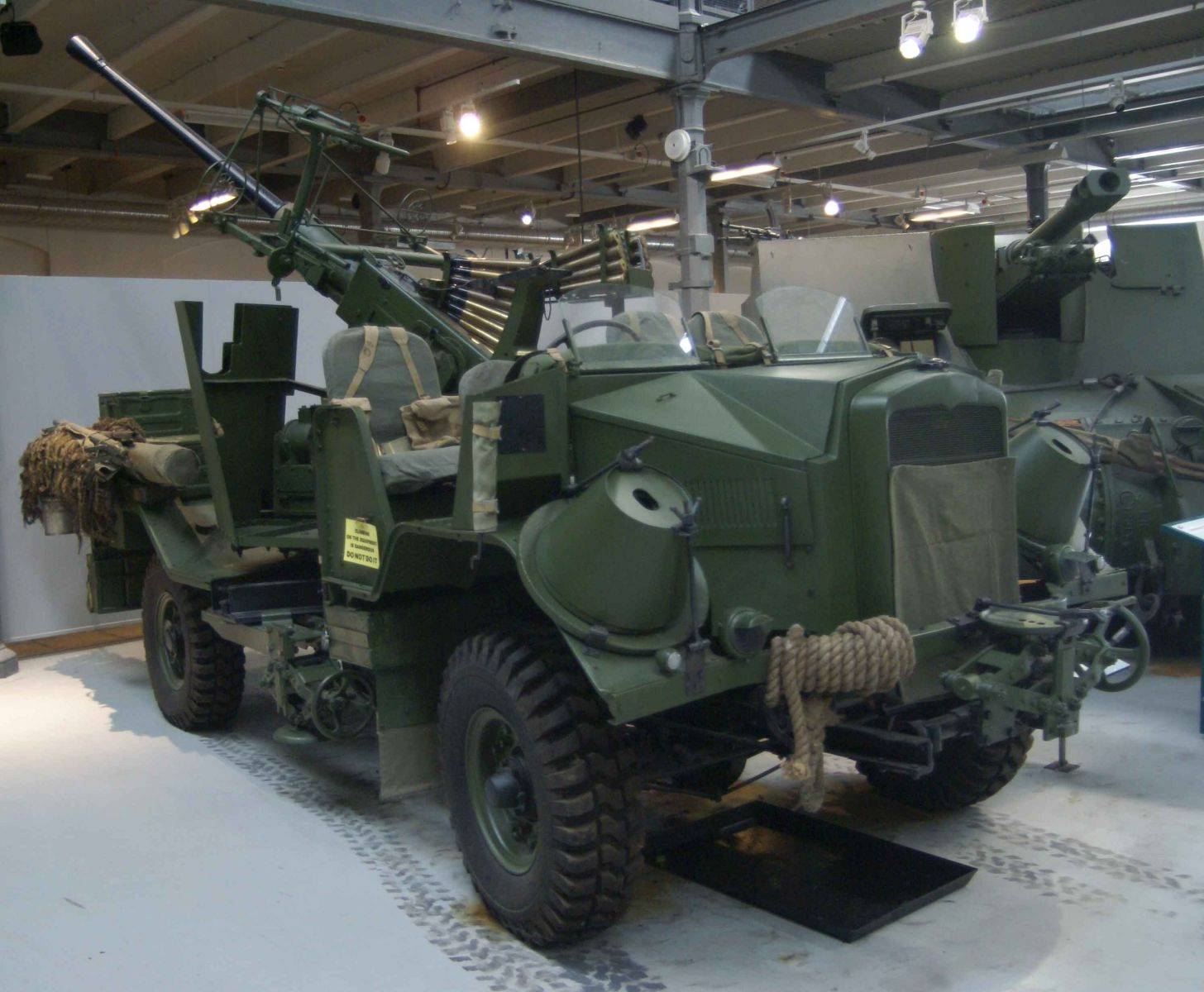 Bofors Morris front right