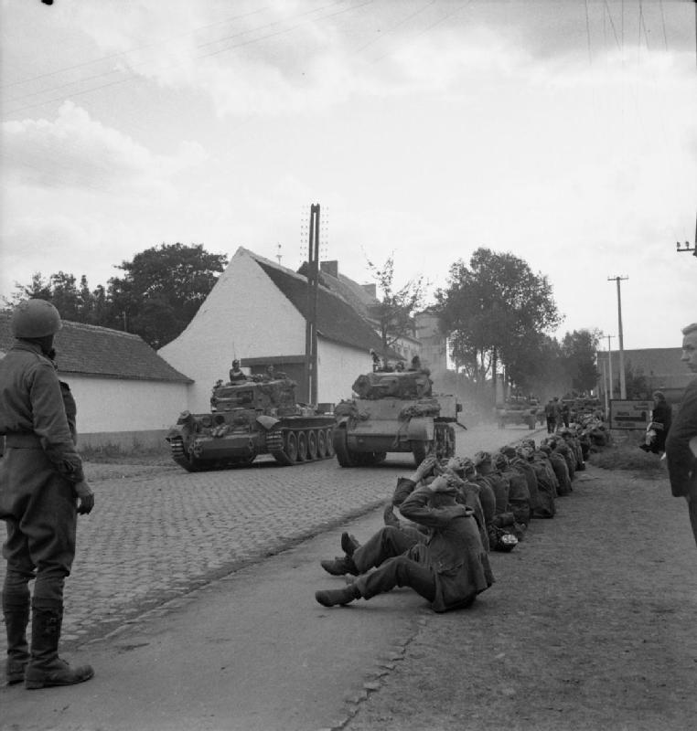 Cromwell and Stuart tanks of Guards Armoured Division advance to Brussels, 3 September 1944; IWM BU 546