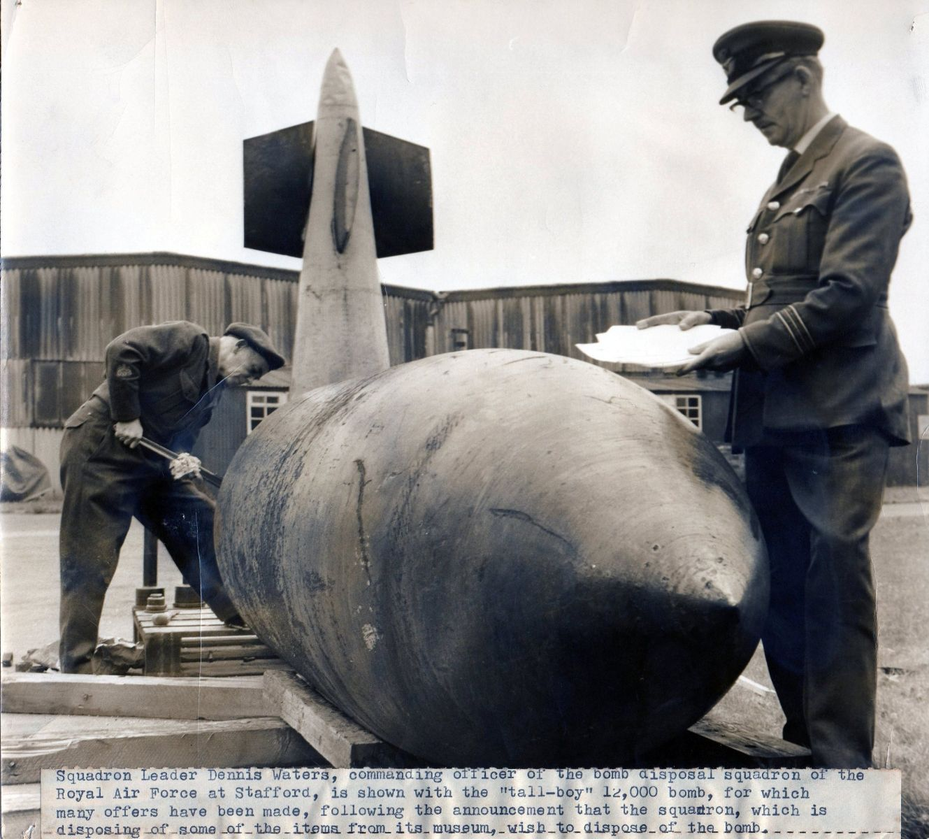 WO2 D.L. Jones disconnecting Bomb